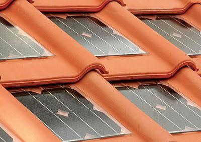 Dakpannen Met Zonnepanelen : Dakpan met zonnepanelen voor opwekken zonne energie. zonnepanelen op
