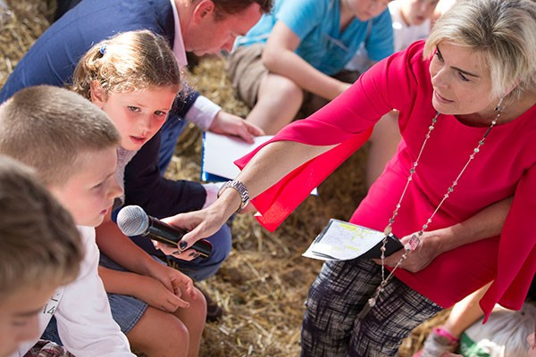 Princes Laurentien interviewd kinderen klimaat conferentie