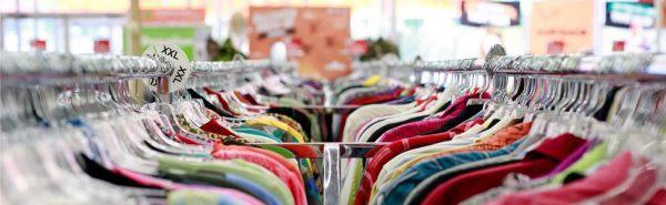Duurzame kledingrekken tweedehands kleding