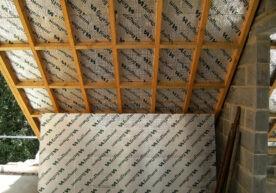 Een schuin dak isoleren binnenzijde